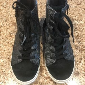Uggs girls size 2 black sparkly high top sneakers